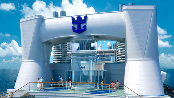 "Skydiving / ""Quelle: Royal Caribbean International"""